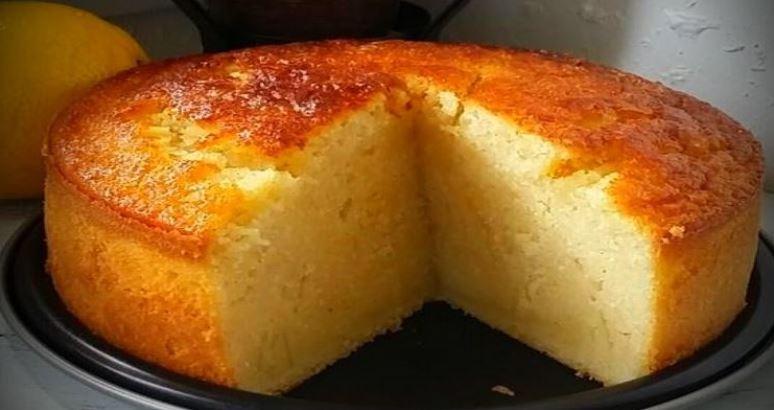 Gâteau au lait et à la semoule ultra moelleux parfumé à la vanille et au citron: