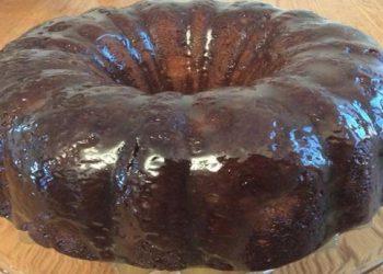 L'irrésistible gâteau aux pommes à l'ancienne et sa sauce au caramel