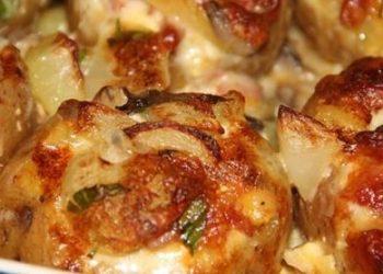 Pommes de terre farcies au lard et Reblochon champignons à la crème