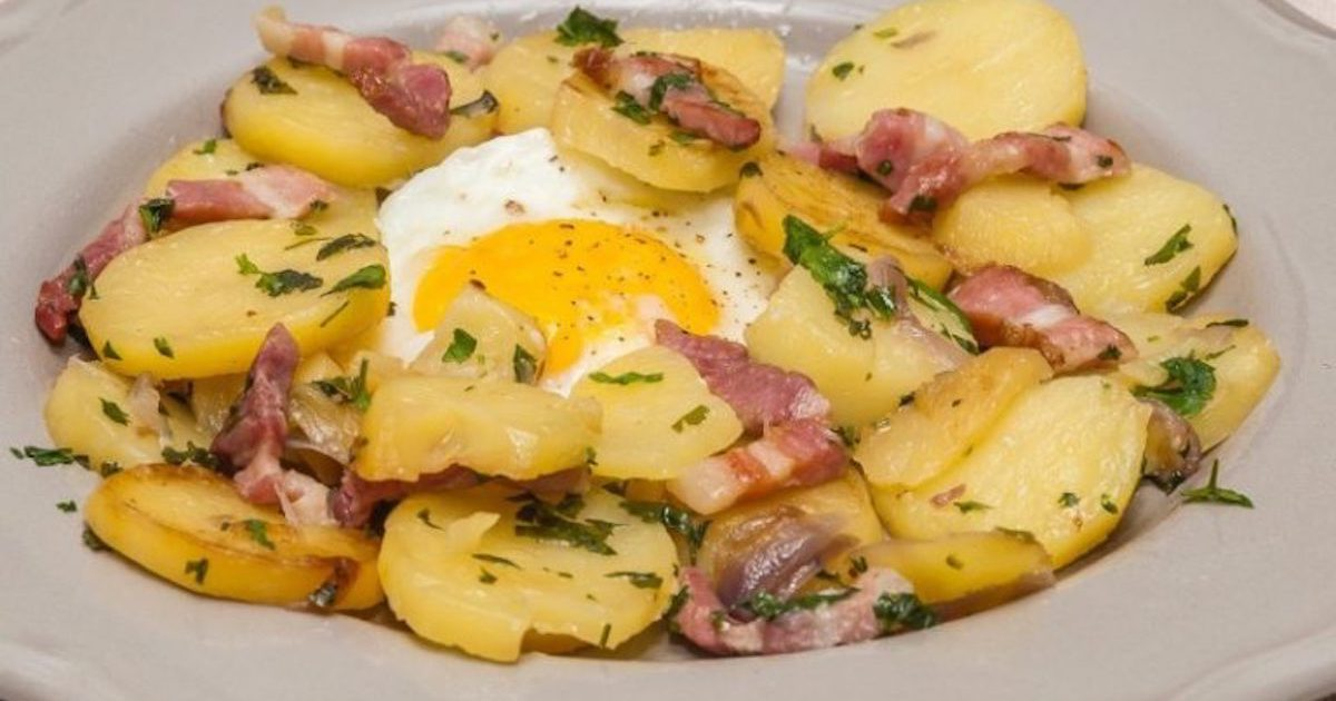 Poêlée de pommes de terre aux oeufs