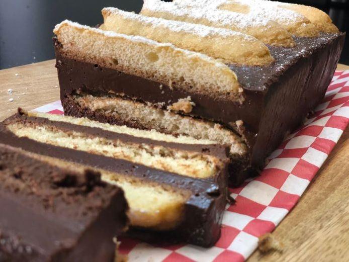 Voici le Gâteau au chocolat sans cuisson avec seulement 4 ingrédients