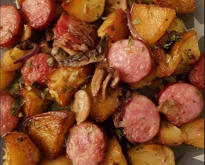 saucisses fumees pommes de terre et champignons