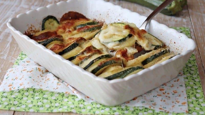 Pommes de terre aux courgettes et mozzarella au four