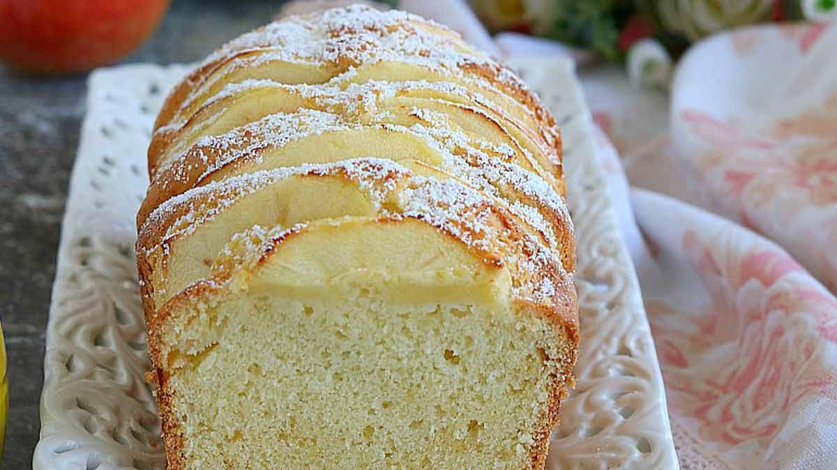 Succulent cake aux pommes et au citron