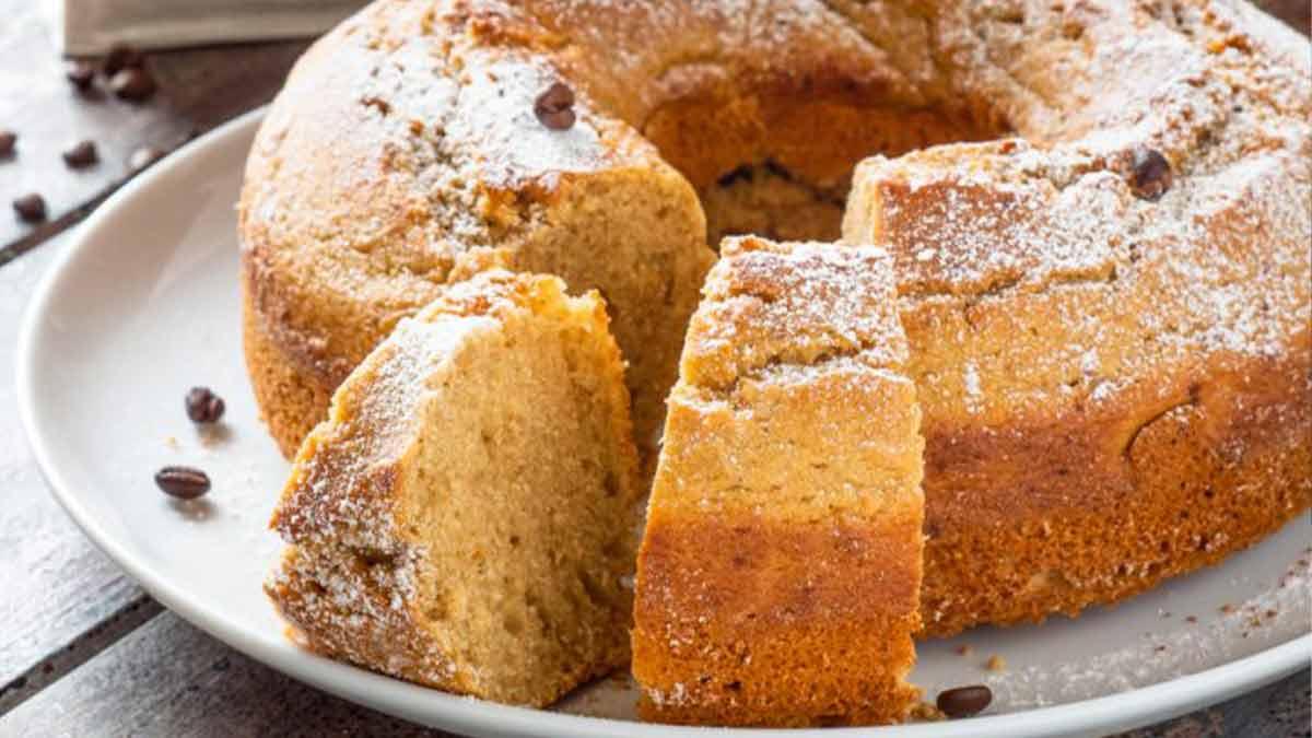 Délicieux gâteau à la ricotta et café