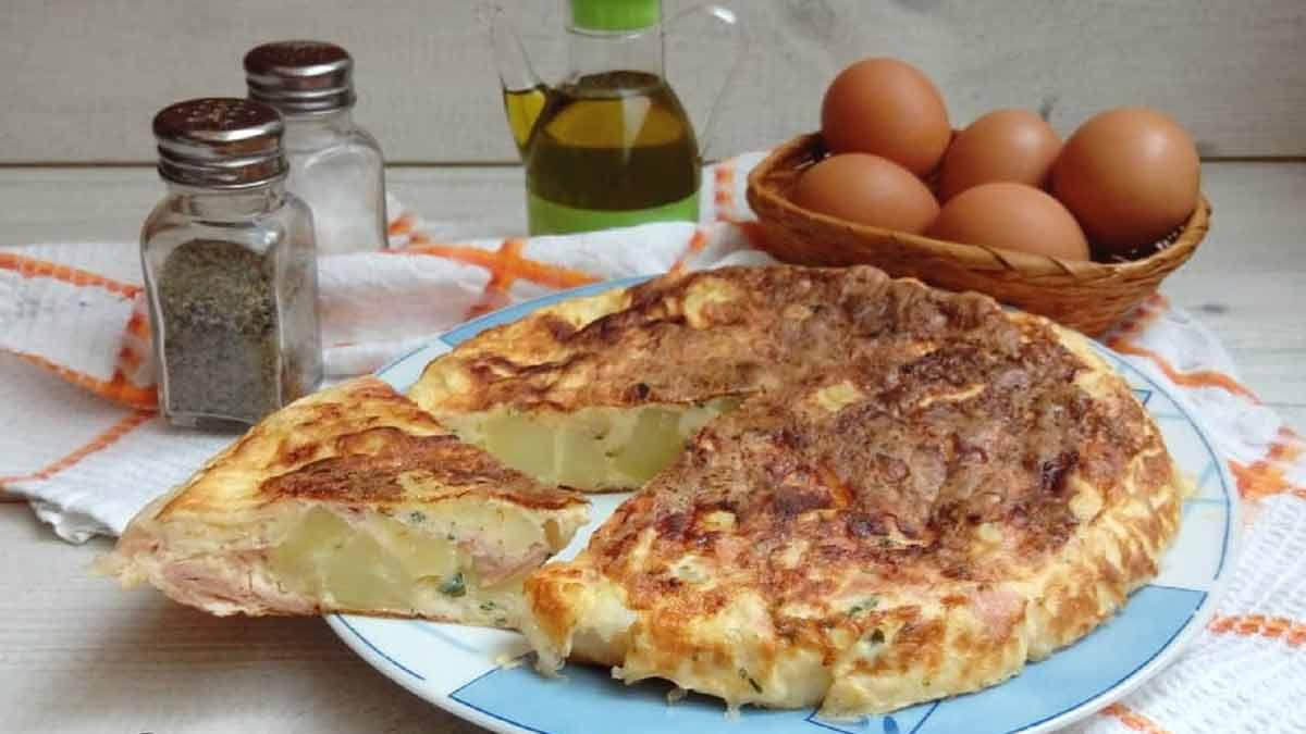 Omelette de pommes de terre au jambon