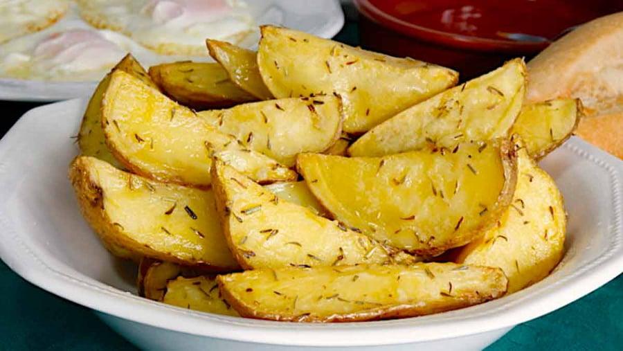 Pommes de terre épicées cuites au four