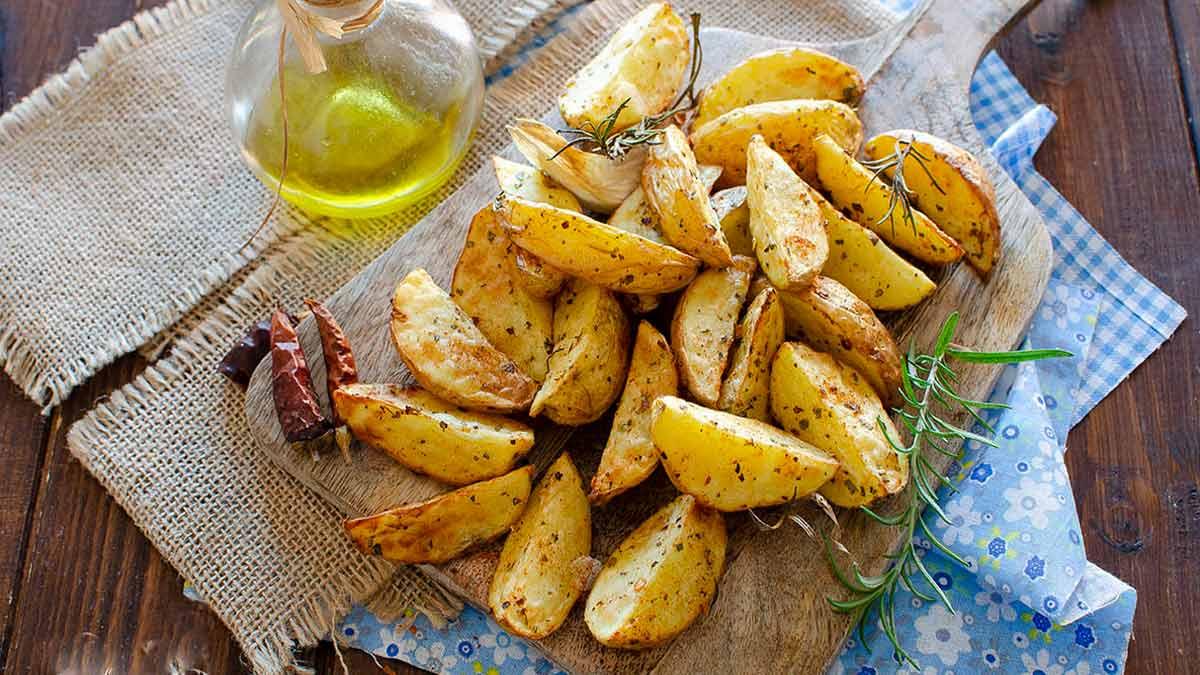 Pommes de terre cuites à la friteuse à air