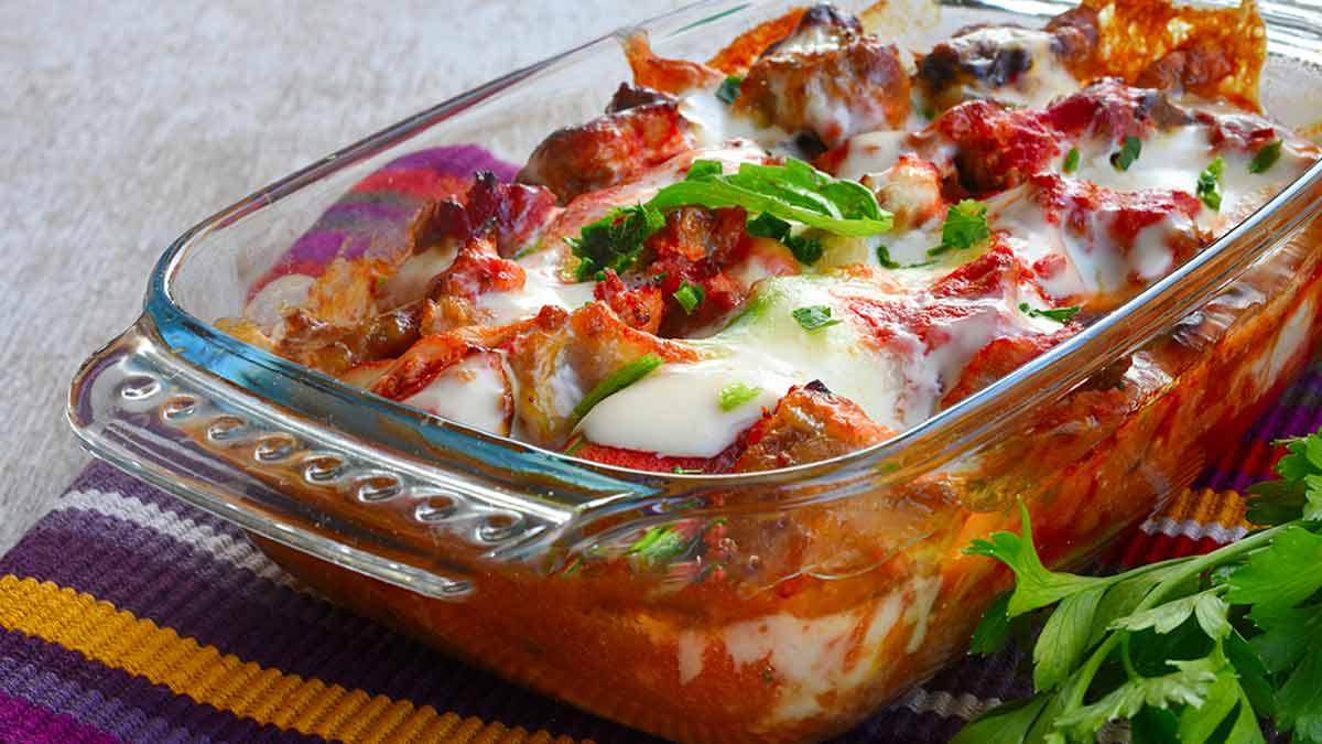 Savoureuse tarte aux courgettes et aux saucisses