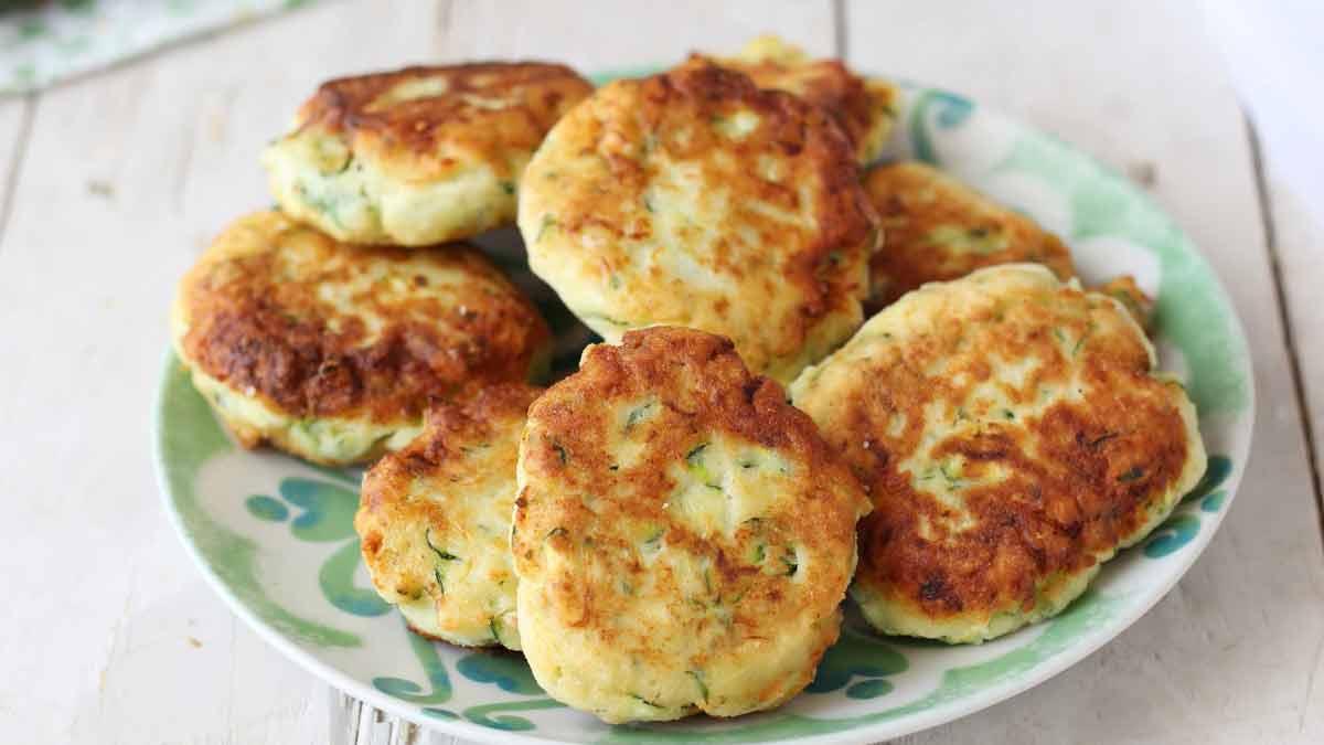 Succulentes galettes moelleuses de courgettes aux fromages