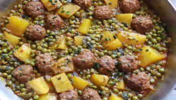Tajine de viande hachée aux petits pois et pommes de terre