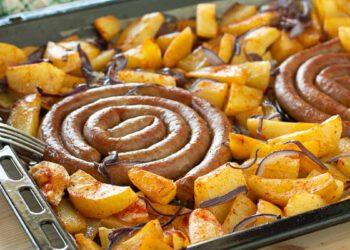 saucisses avec pommes de terre au paprika