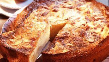 Gâteau au yaourt et aux poires