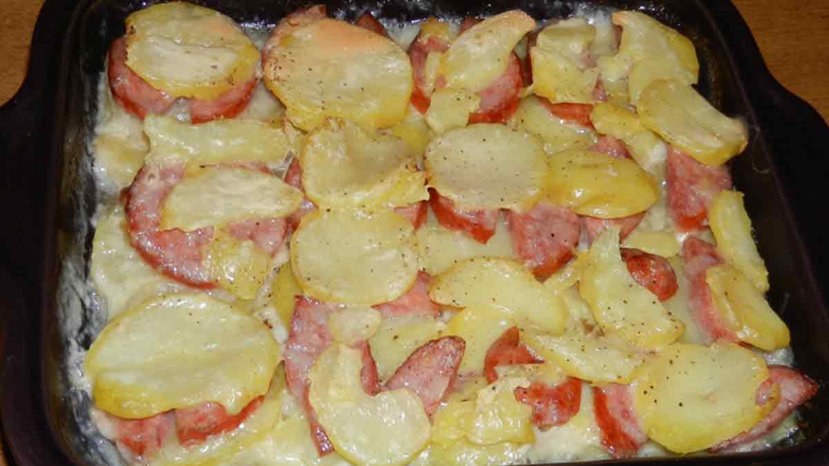 Gratin de pommes de terre à la saucisse Morteau