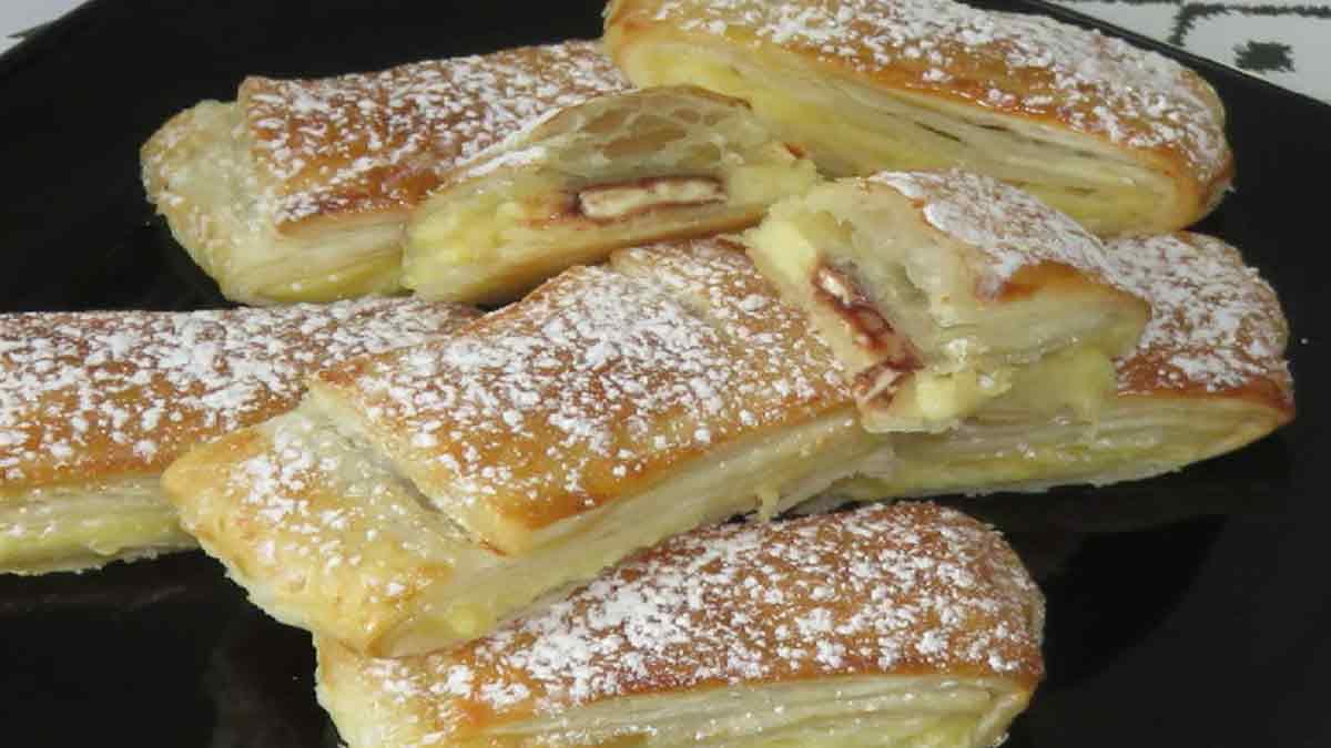 Savoureux feuilletés à la crème pâtissière et aux amandes