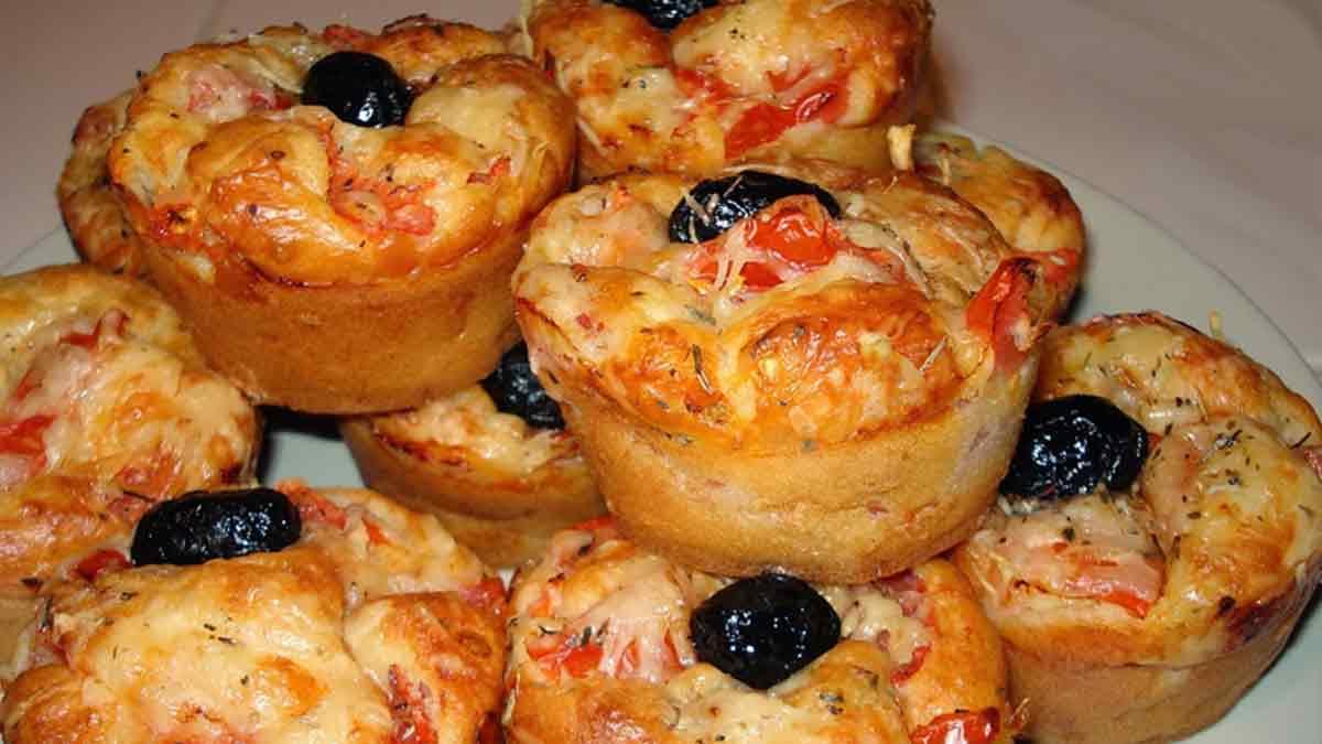 Splendides muffins salés façon pizza