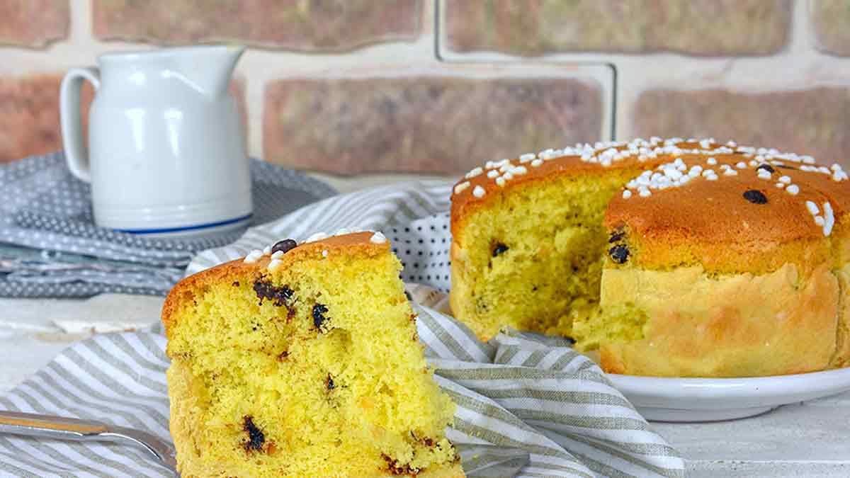 Succulent gâteau fourré aux amandes