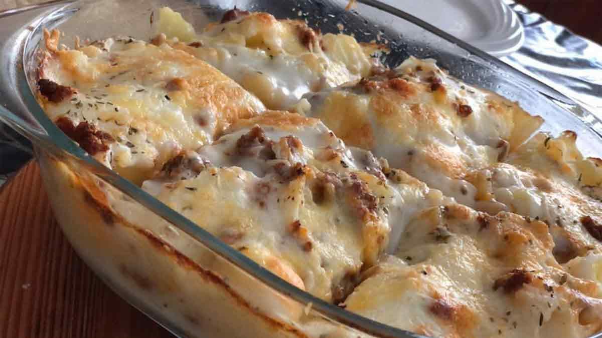 gratin de pommes de terre à la viande