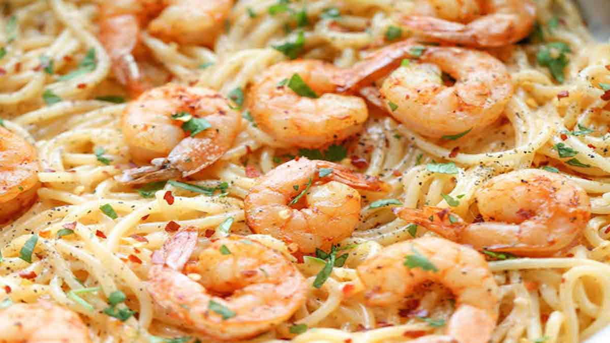 spaghettis aux crevettes et beurre avec ail