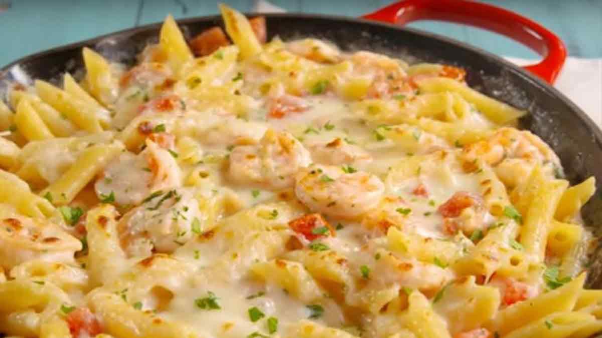 Crevettes avec ail et à la sauce Alfredo