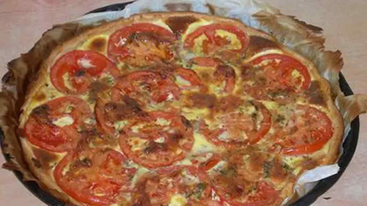 Délicieuse tarte au thon et aux tomates