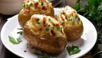 Délicieuses pommes de terre farcies au gruyère et au jambon