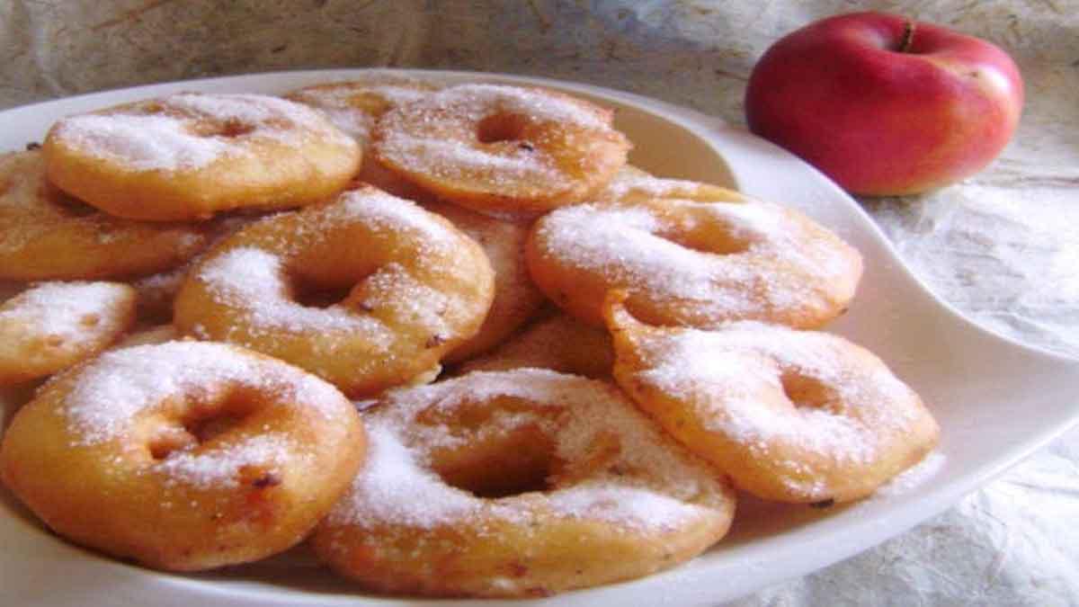 Délicieux beignets aux pommes tellement doux
