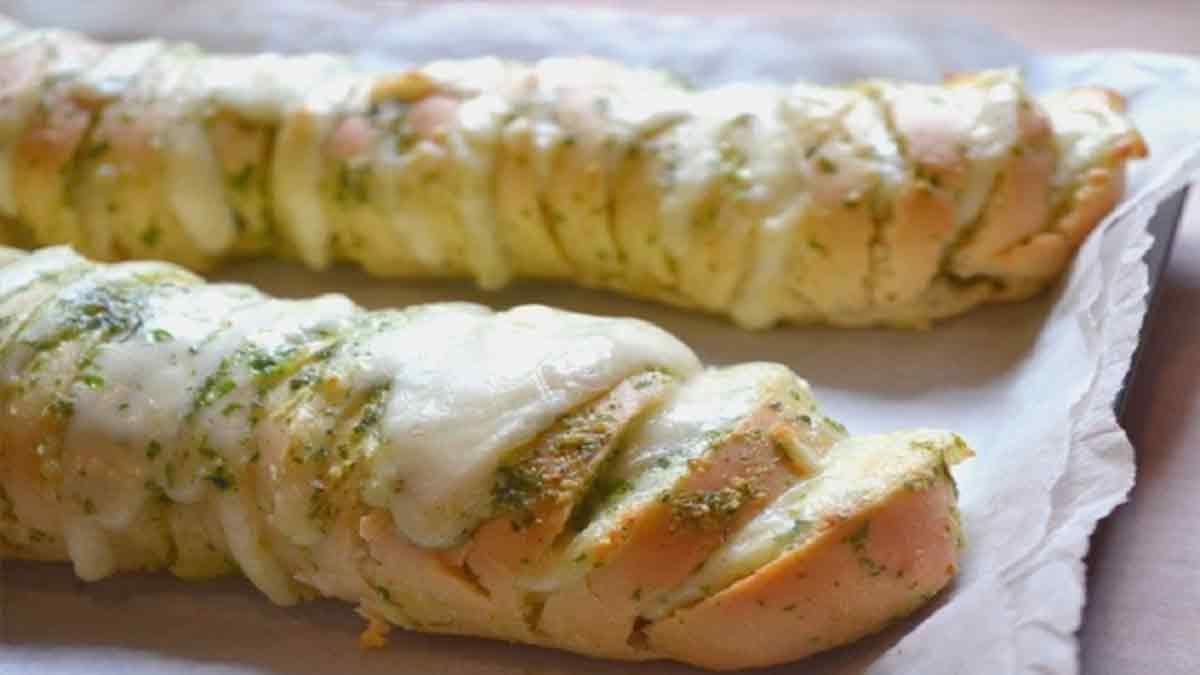 Pain au fromage et au beurre