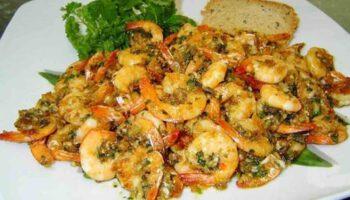 Succulentes crevettes avec ail