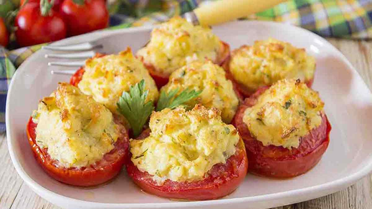 Tomates farcies au thon et aux pommes de terre