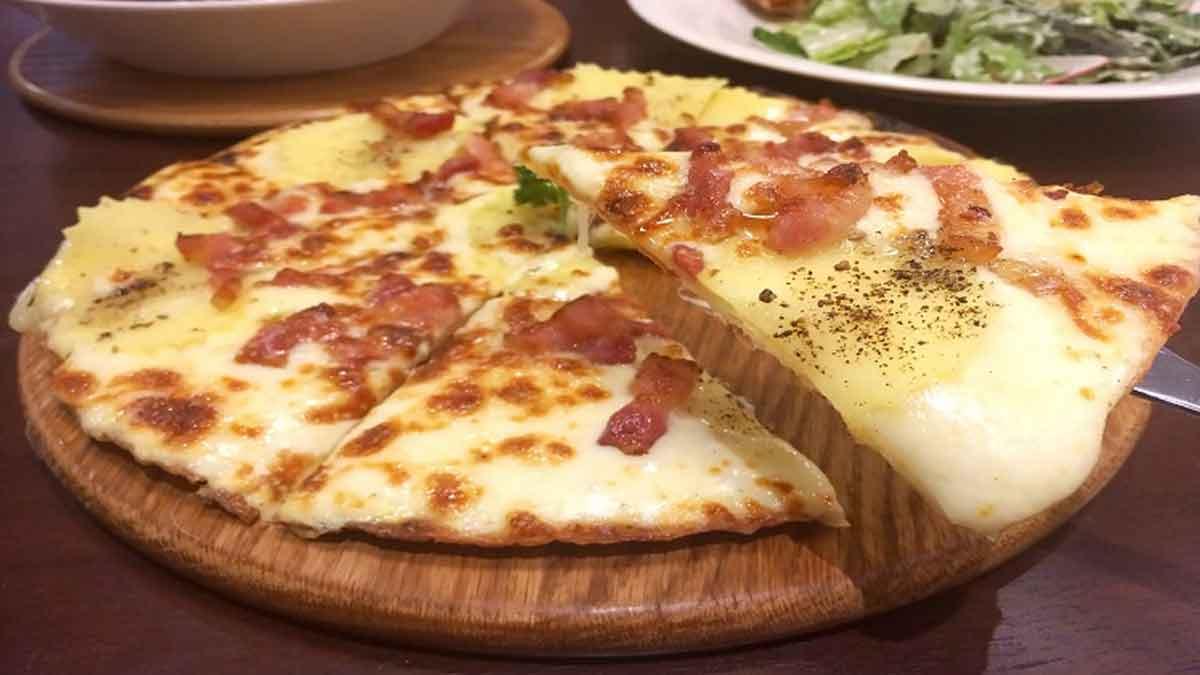 Alléchante pizza tartiflette
