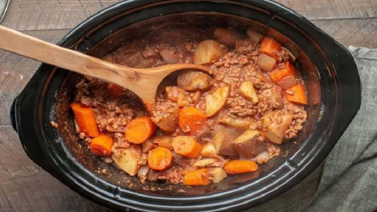 exquis bœuf haché légume cuit à la mijoteuse