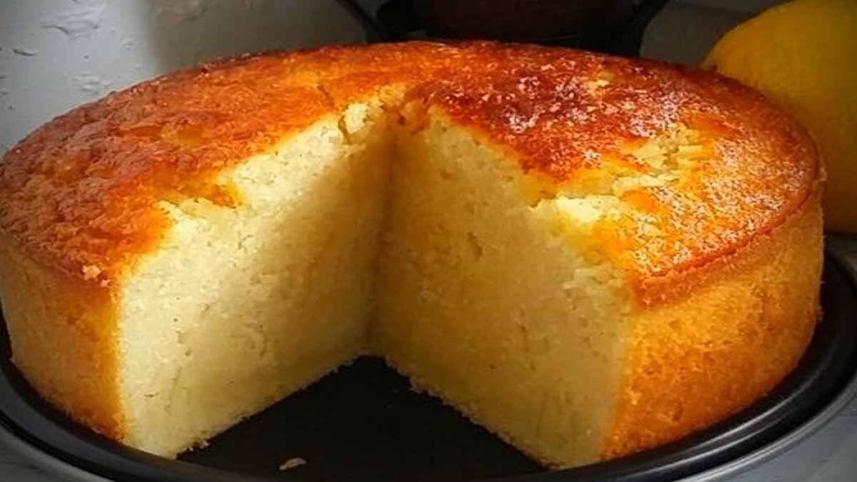 Exquis gâteau au lait et à la semoule ultra moelleux