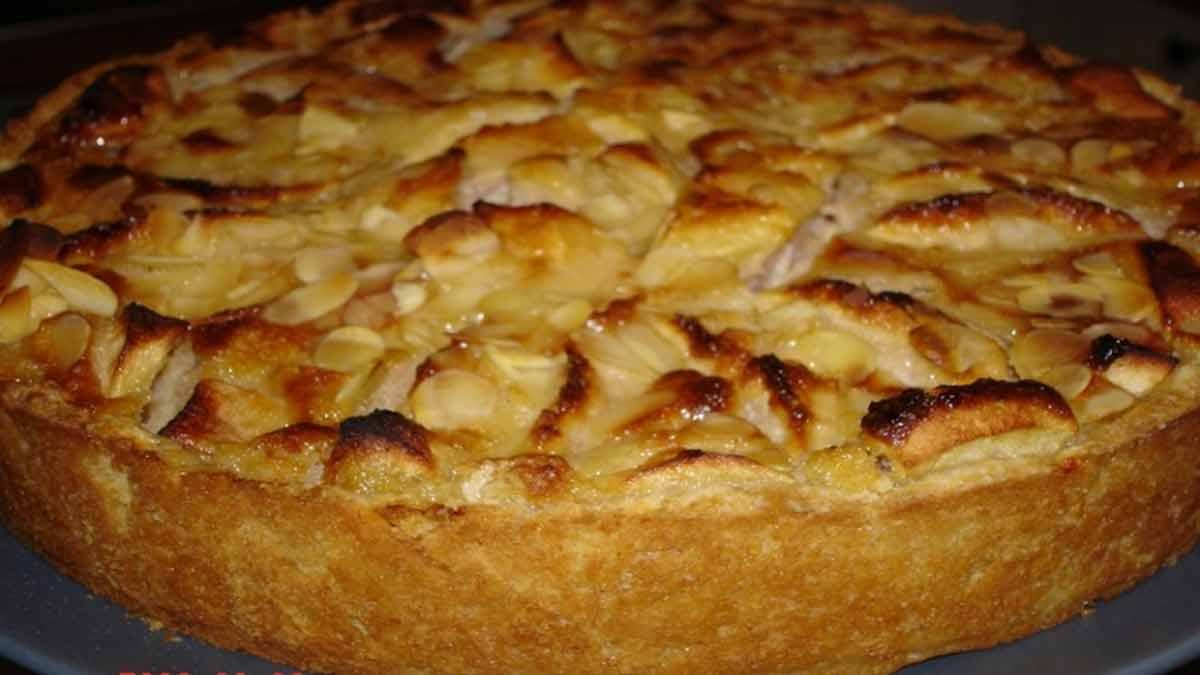 Fabuleux gâteau aux pommes à la normande