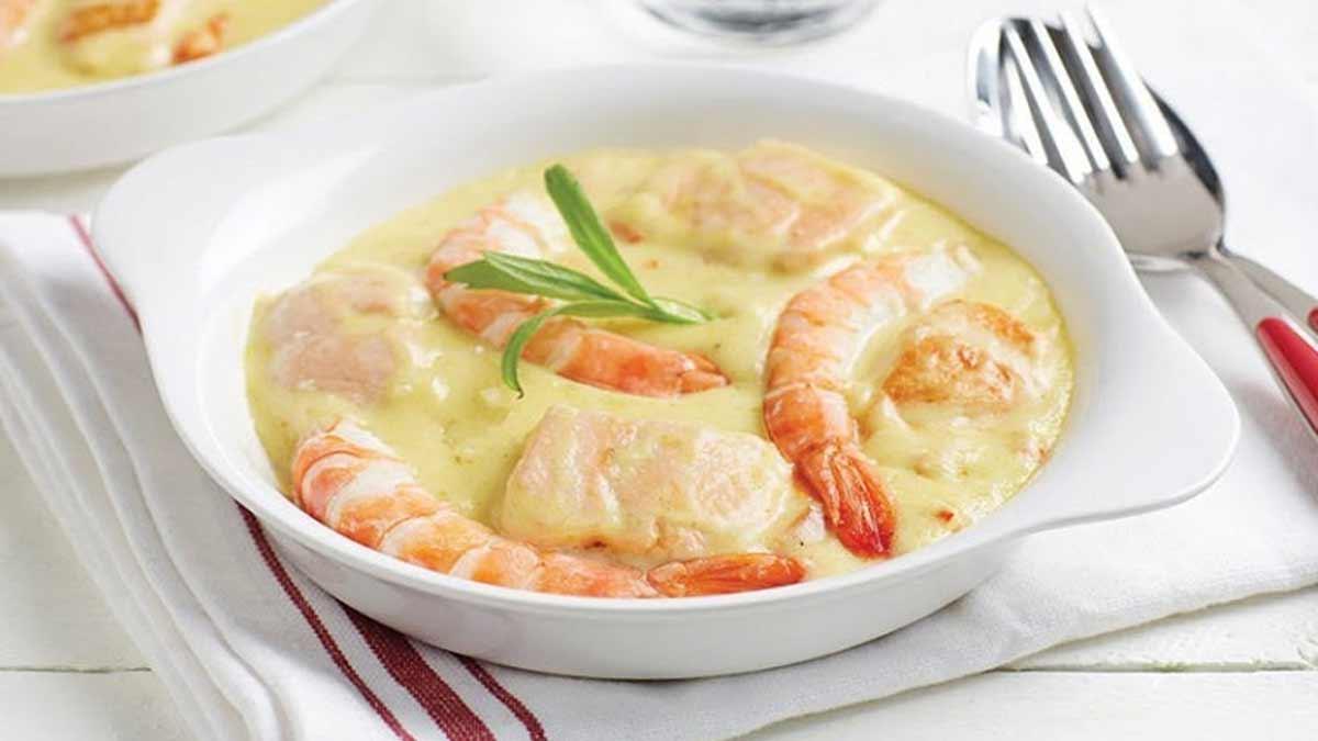 Ragoût de la mer aux crevettes saumon et riz sauvage