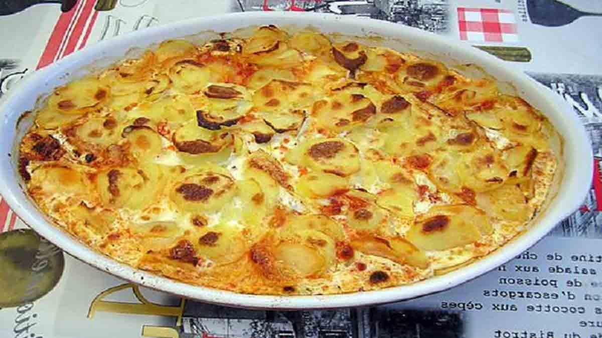 Savoureux gratin de pommes de terre chorizo tomate et béchamel