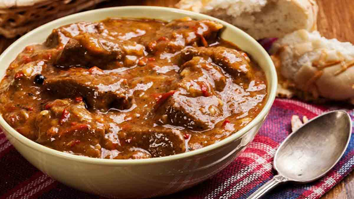 Savoureux ragoût de bœuf traditionnel