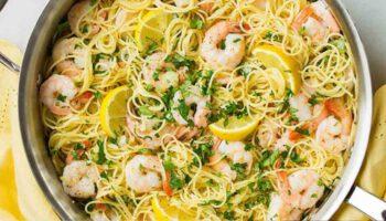 Savoureux spaghettis avec ail citron et crevette