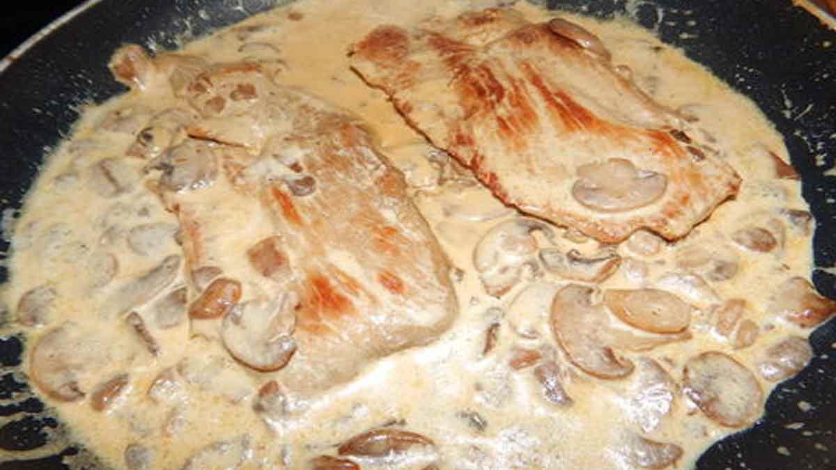 Exquises escalopes de veau à la crème et aux champignons