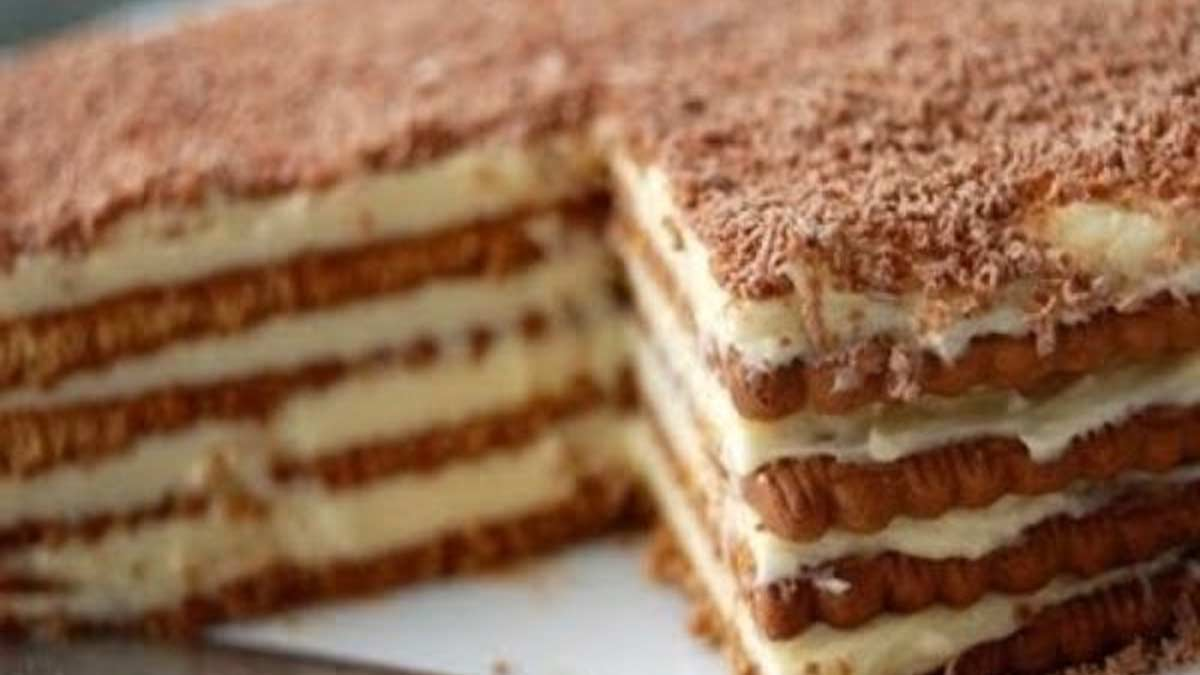 Délicieux gâteau aux petits-beurre au café