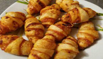 Délicieux croissants feuilletés au saumon à tomber