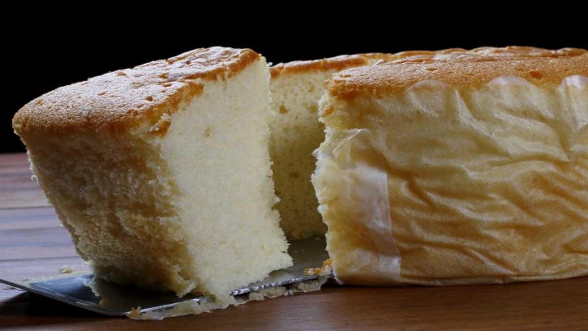 Doux gâteau parfumé à la vanille