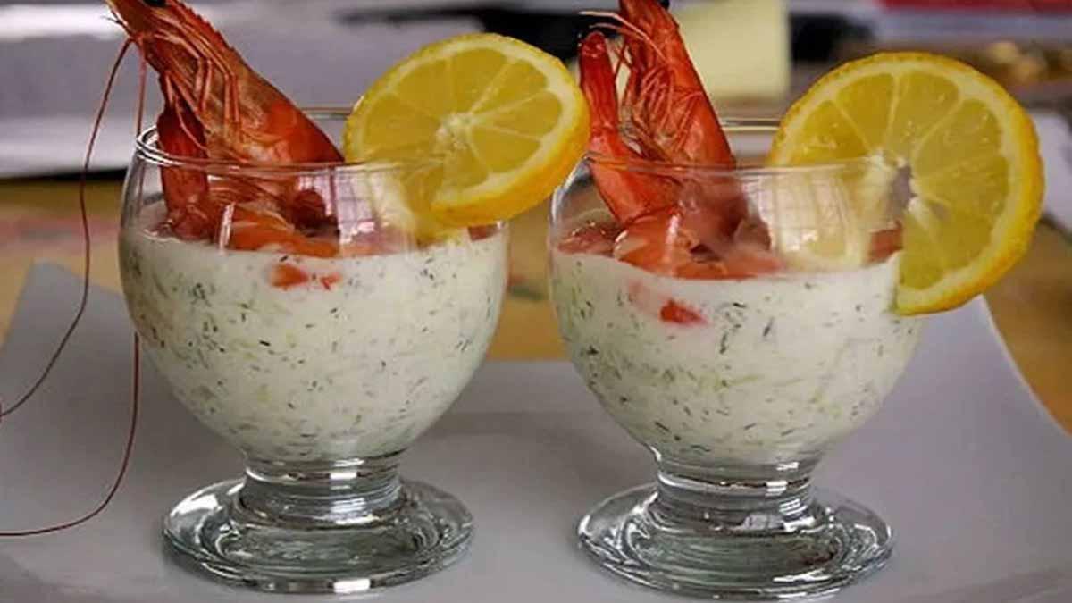 Merveilleuses verrines de yaourt grec au concombre et aux crevettes