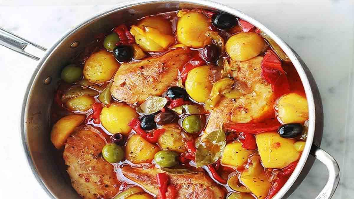 Savoureux poulet aux poivrons pommes de terre et olives