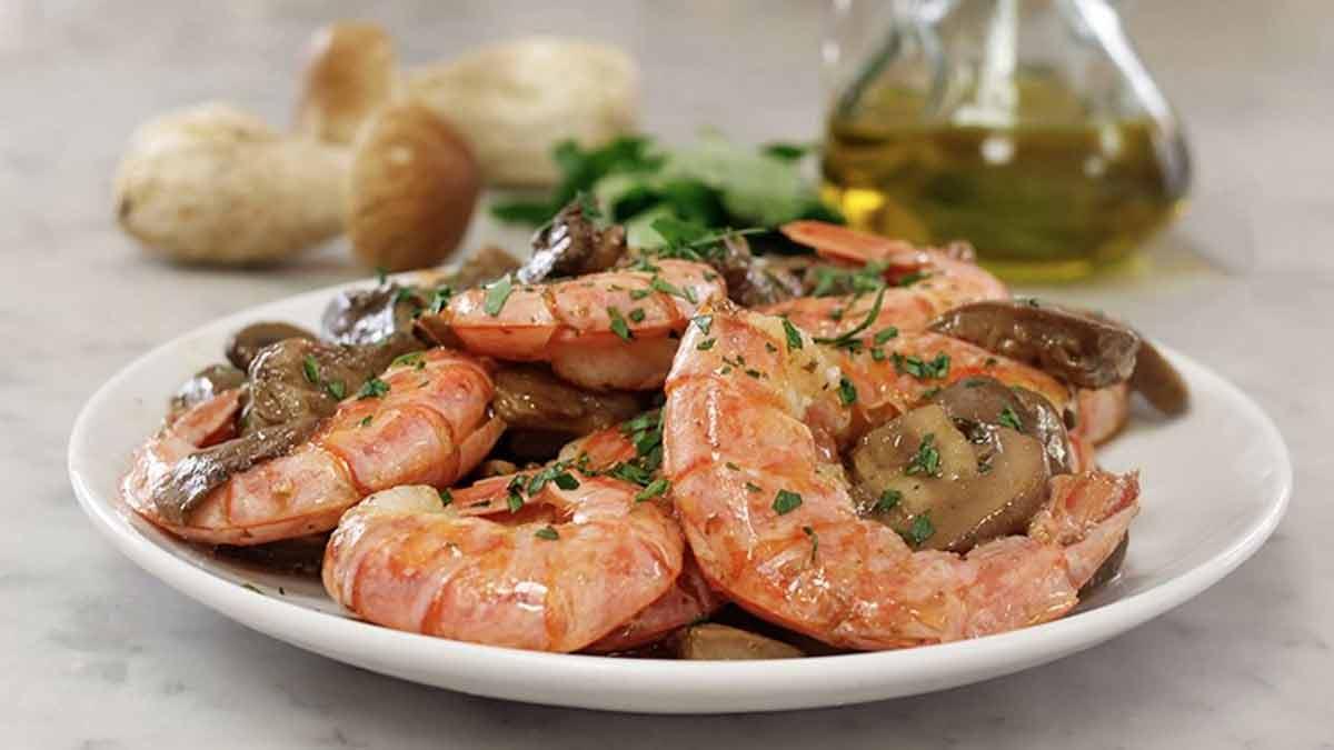 crevettes et champignons poêlés