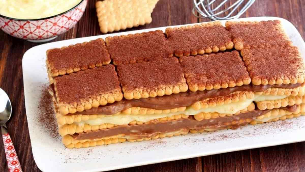 Délicieux gâteau aux biscuits facile et rapide