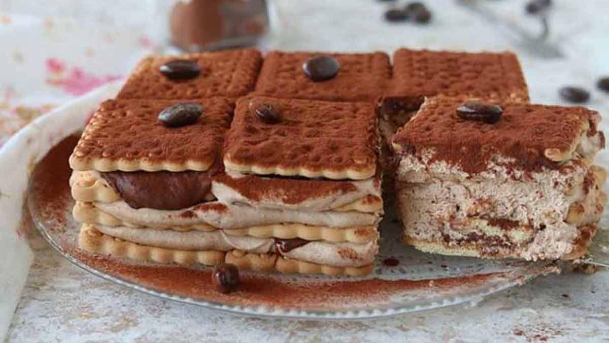 Gâteau sans cuisson aux biscuits crémeux au café et au Nutella