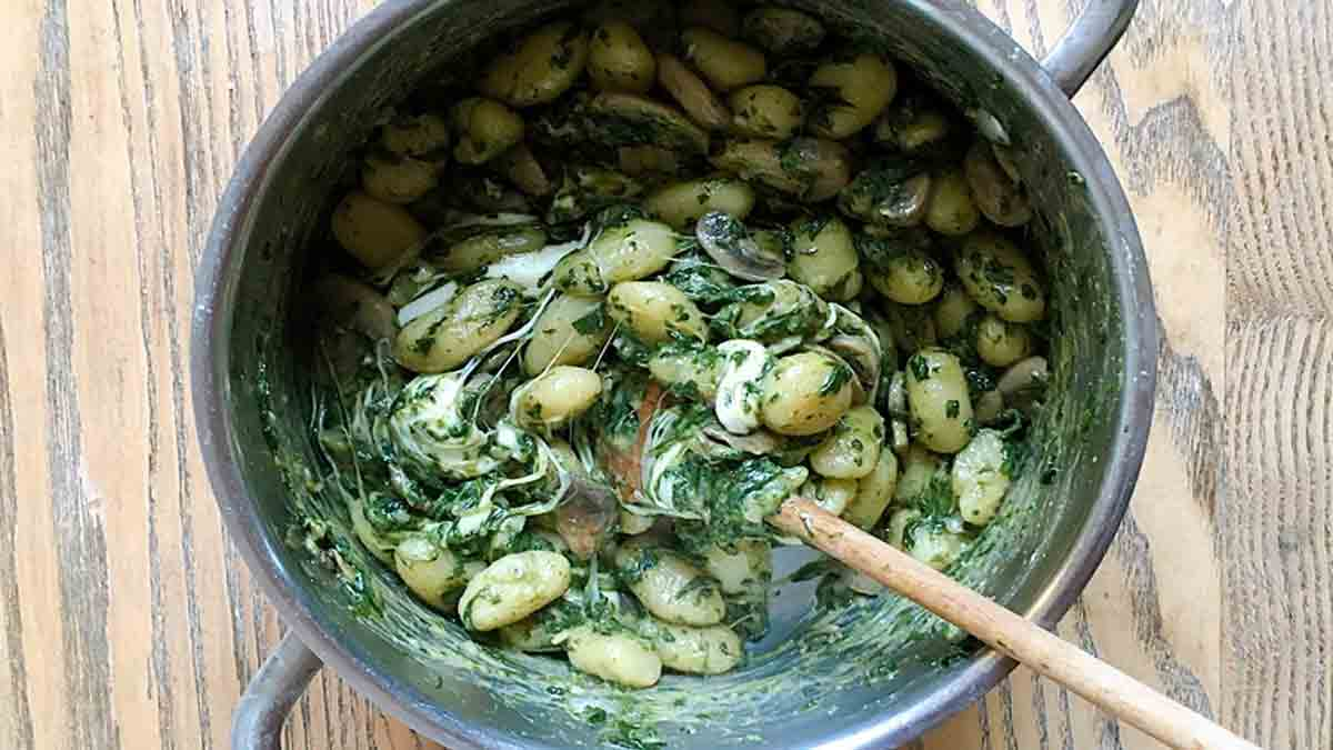Savoureux gnocchis épinards champignons Mozzarella