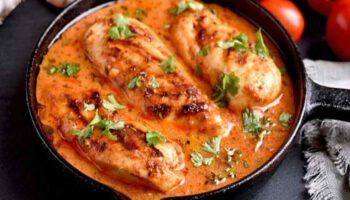 Succulent poulet à la crème et aux tomates