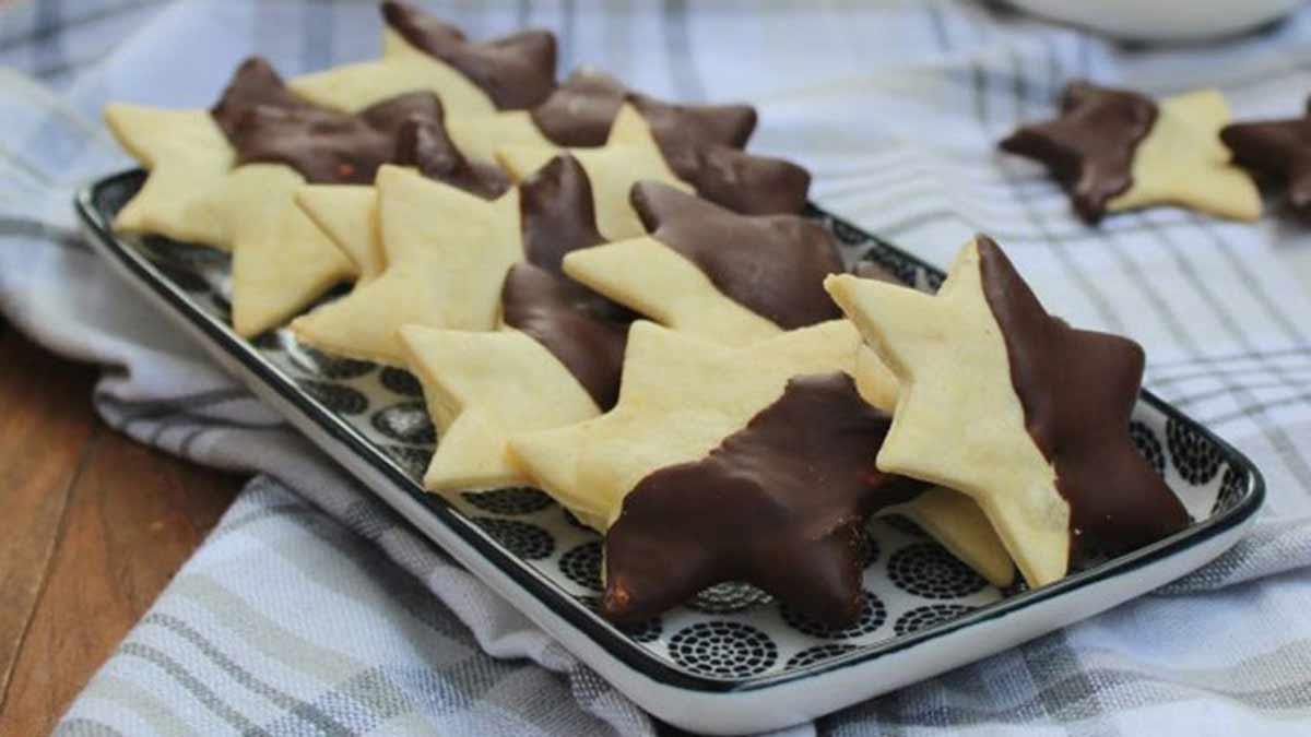 biscuits sablés avec glaçage au chocolat